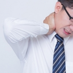 首の痛みの整体とカイロプラクティック